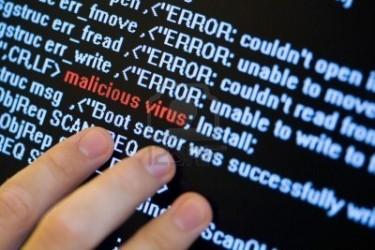 L'intervention d'une société de sécurité informatique résout le problème et permet d'obtenir des éléments devant faciliter l'identification du cyberpirate.