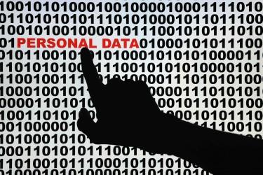 Ce n'est pas une bonne  stratégie pour garantir le bon fonctionnement et la sécurité des données d'une entreprise.