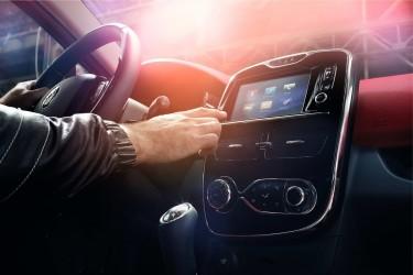 En effet, comme tout objet connecté, les voitures autonomes sont également des cibles d'attaques extérieures.