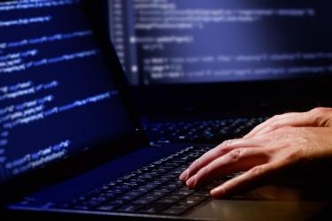 Dans la rubrique « faits divers » des quotidiens spécialisés aux innovations technologiques, on peut lire d'ici et là divers cas de piratages d'objets connectés.