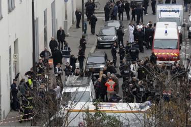 Depuis les évènements du vendredi 13 dernier à Paris, beaucoup d'informations et de rumeurs non fondées et totalement fausses fleurissent sur le web.