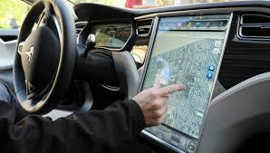 Plus précisément, les deux compères ont pu s'introduire dans le réseau interconnecté du véhicule grâce au système de divertissement.